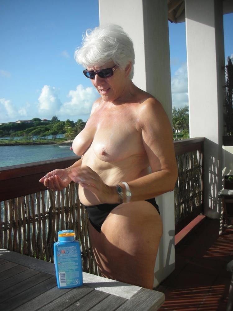 Porn pics mature amateur-6792