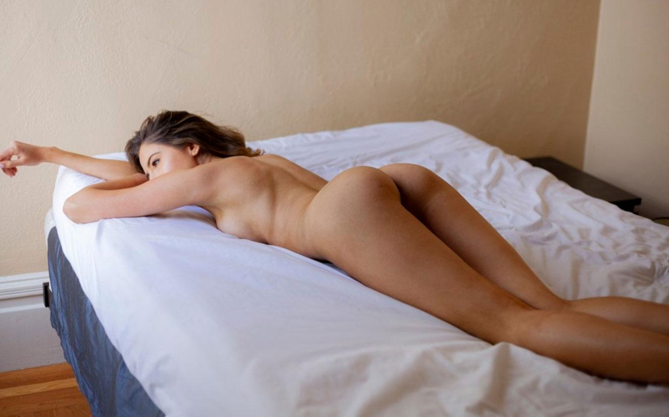 в постели с Селестой Трахлер / фото 05