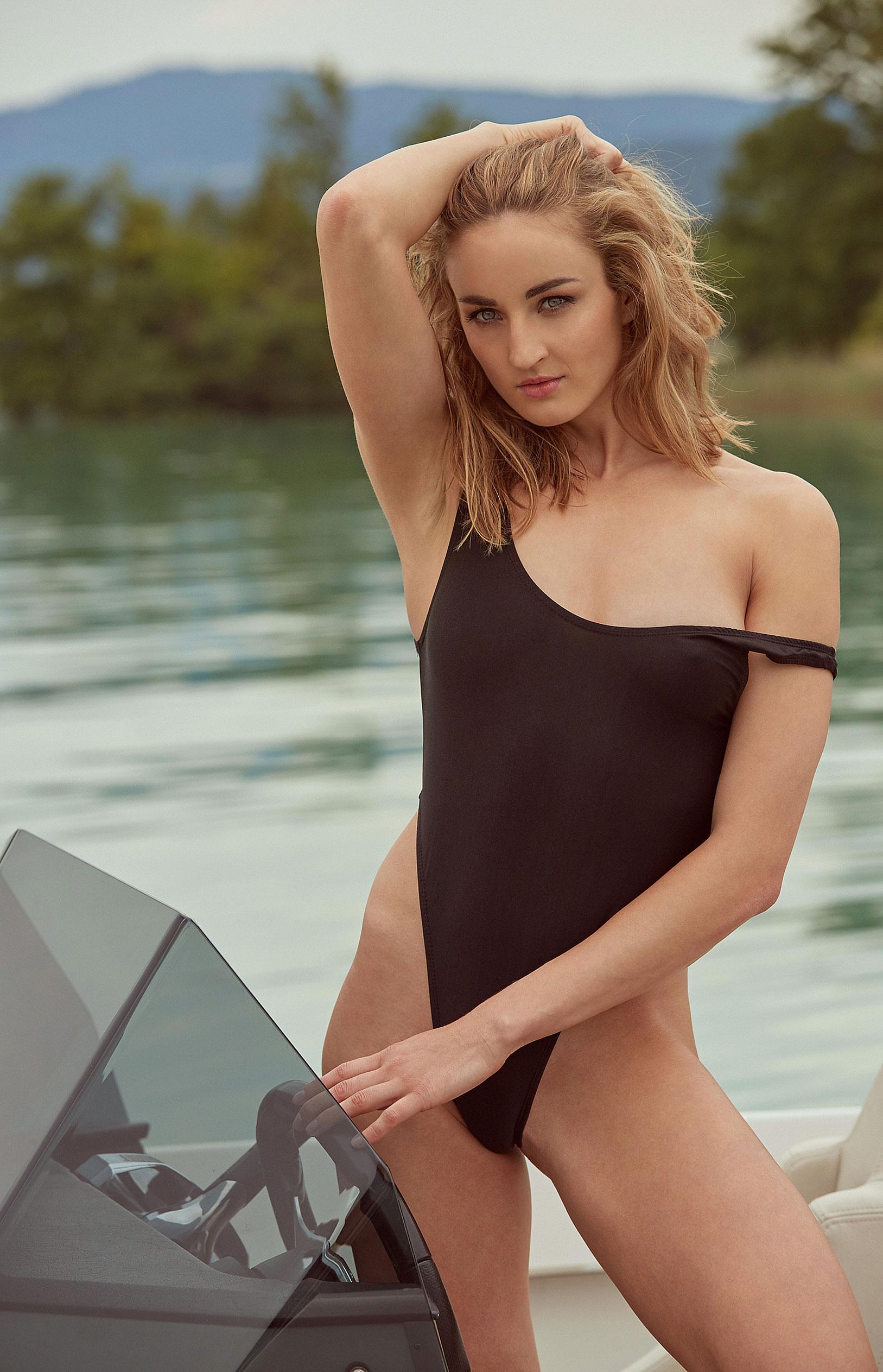 пловчиха Елена Кравцова в журнале Playboy Германия, октябрь 2020 / фото 12