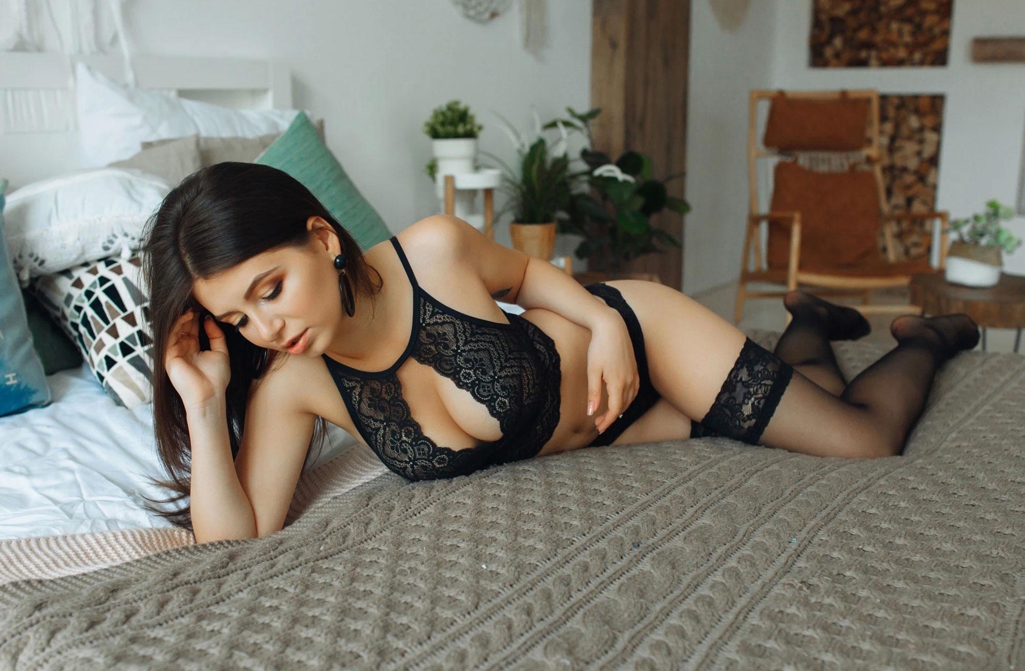 Наталья Андрейчук в черном нижнем белье / фото 07