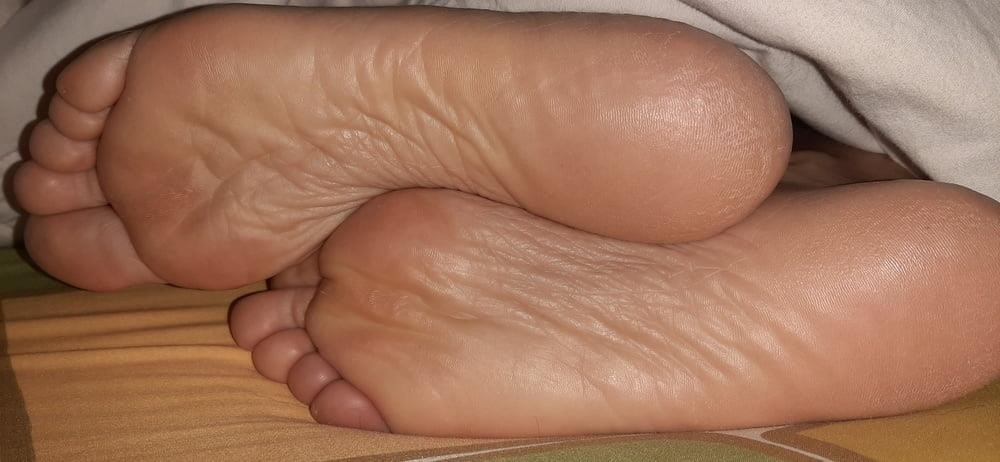 Milf bare soles-4993