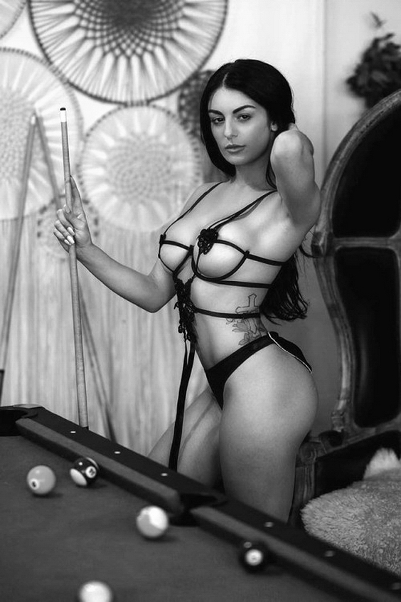 Beautifil Girls CC Pictures Black and White Galleries High Quality Naked Girls Pics