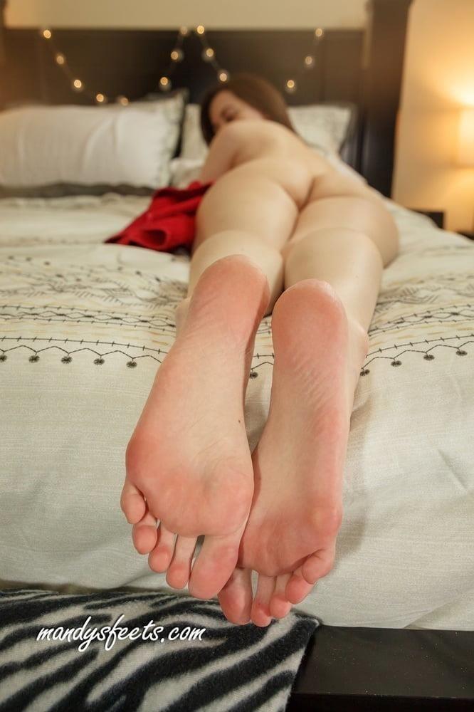Beautiful feet babes-7501