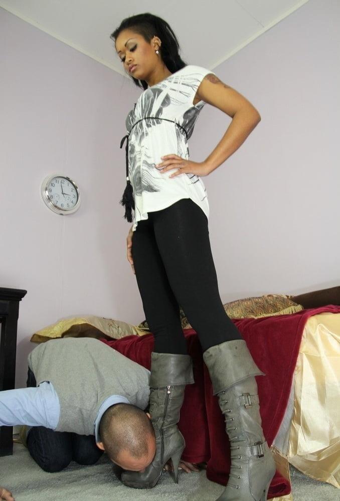 Victoria feet slave-6543