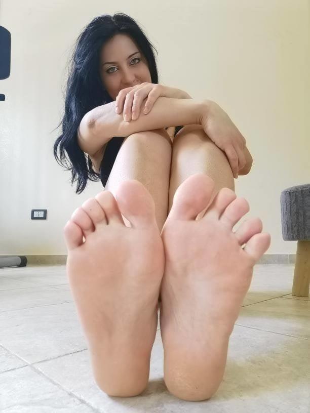 Small feet worship-9775