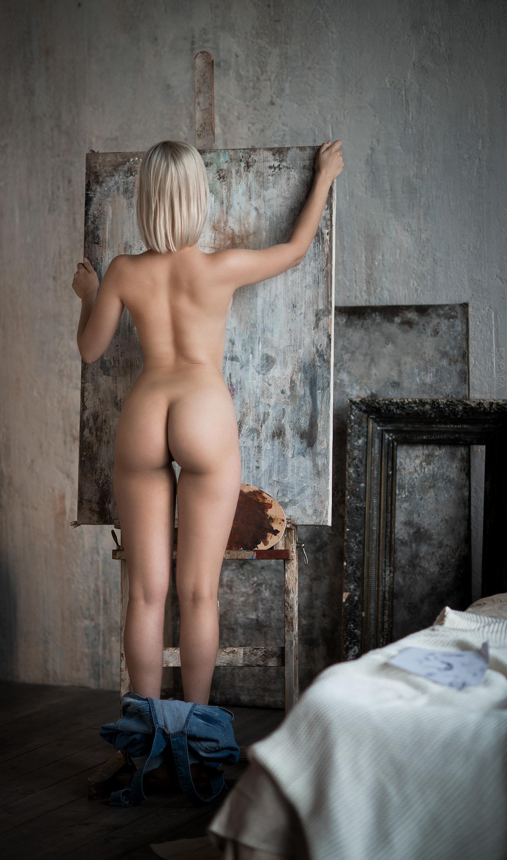 В мастерской художника / Victoria Sokolova nude by Vladimir Nikolaev / Artist's cave