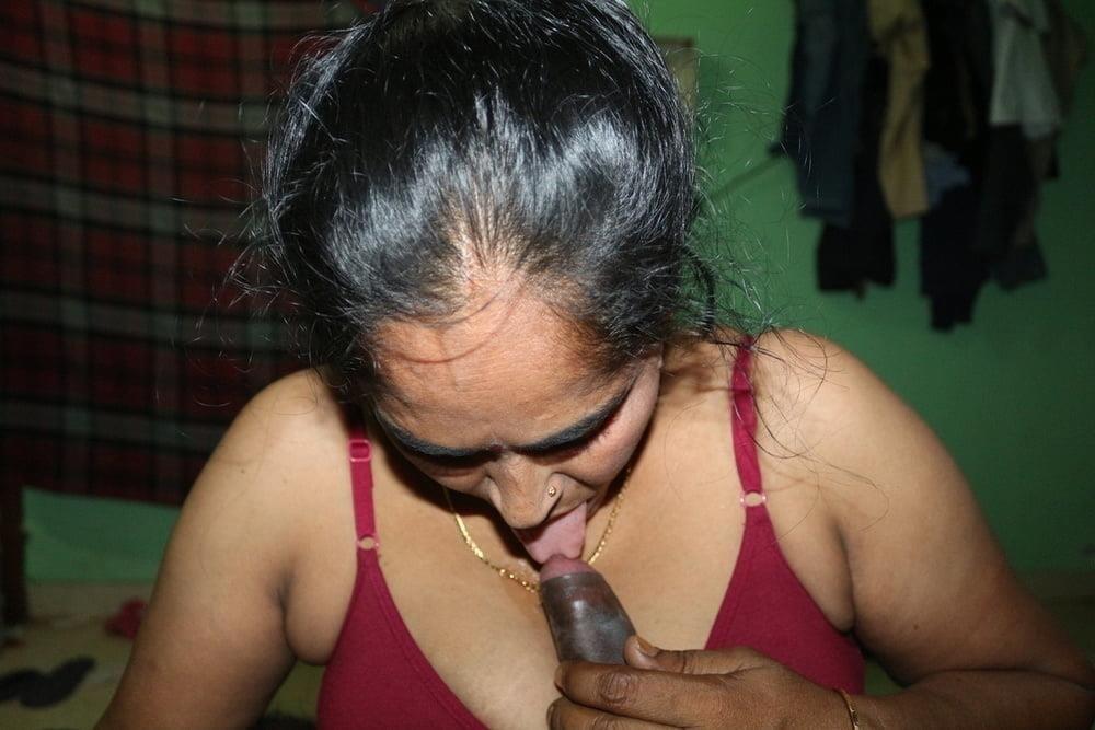 Reshma aunty nude-4746