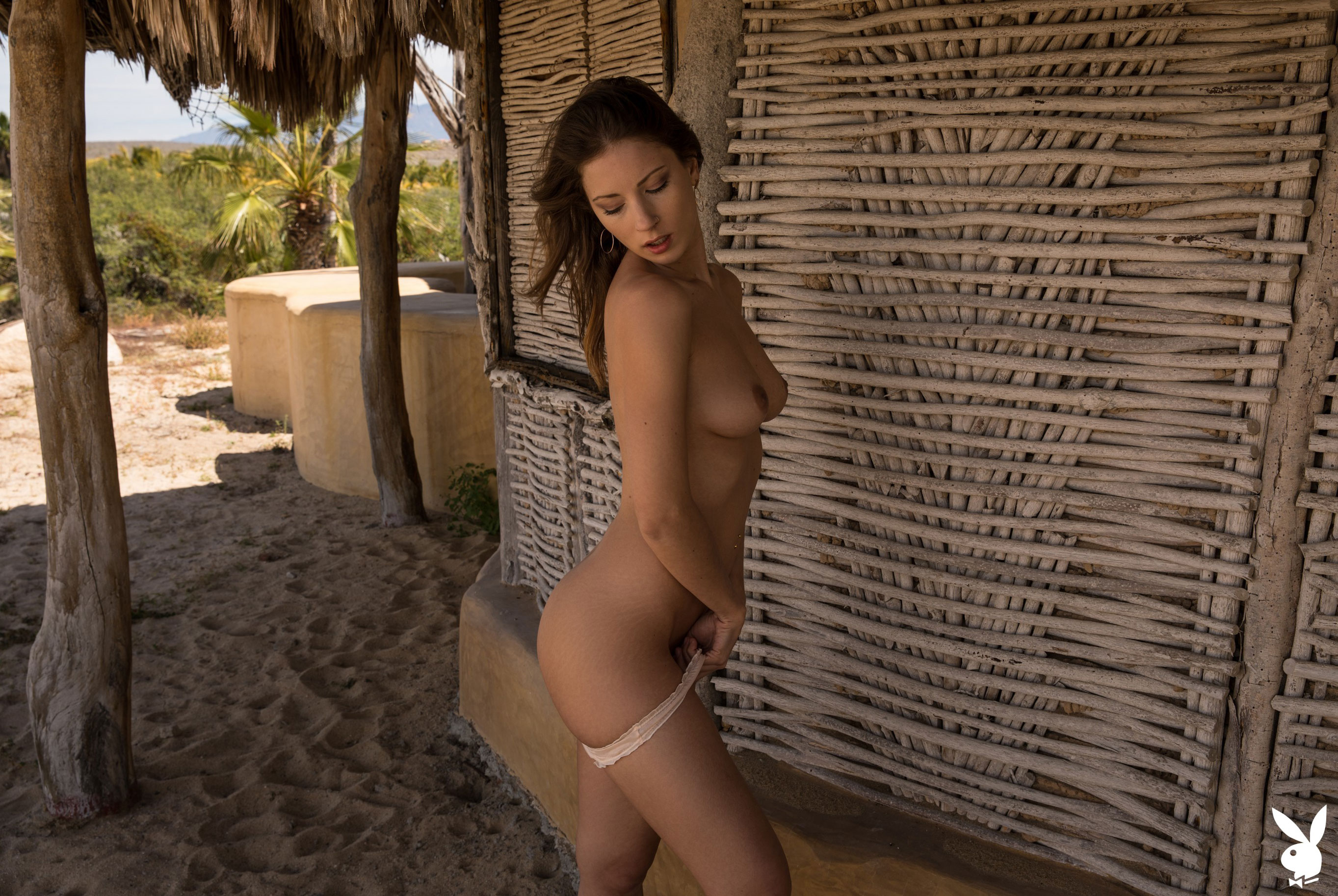 Отдыхаем на мексиканском пляже с сексуальной моделью Playboy / фото 11