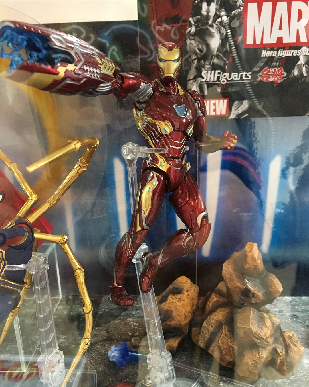 Iron Man (S.H.Figuarts) - Page 13 WlOZDDEL_o