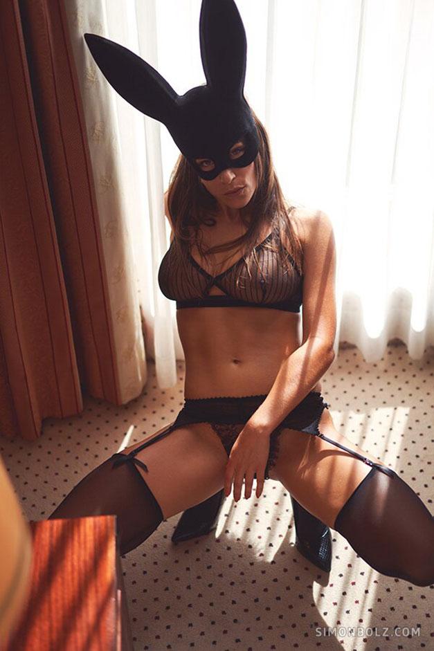 Сильвия Лорем в сексуальном черном нижнем белье / фото 05