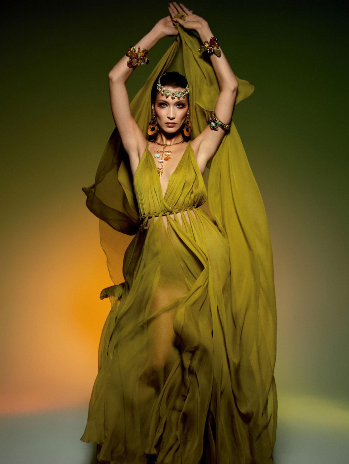 Vogue Paris May-June 2020 / Gigi Hadid, Bella Hadid, Rianne van Rompaey, Vaughan Ollier / фото 04