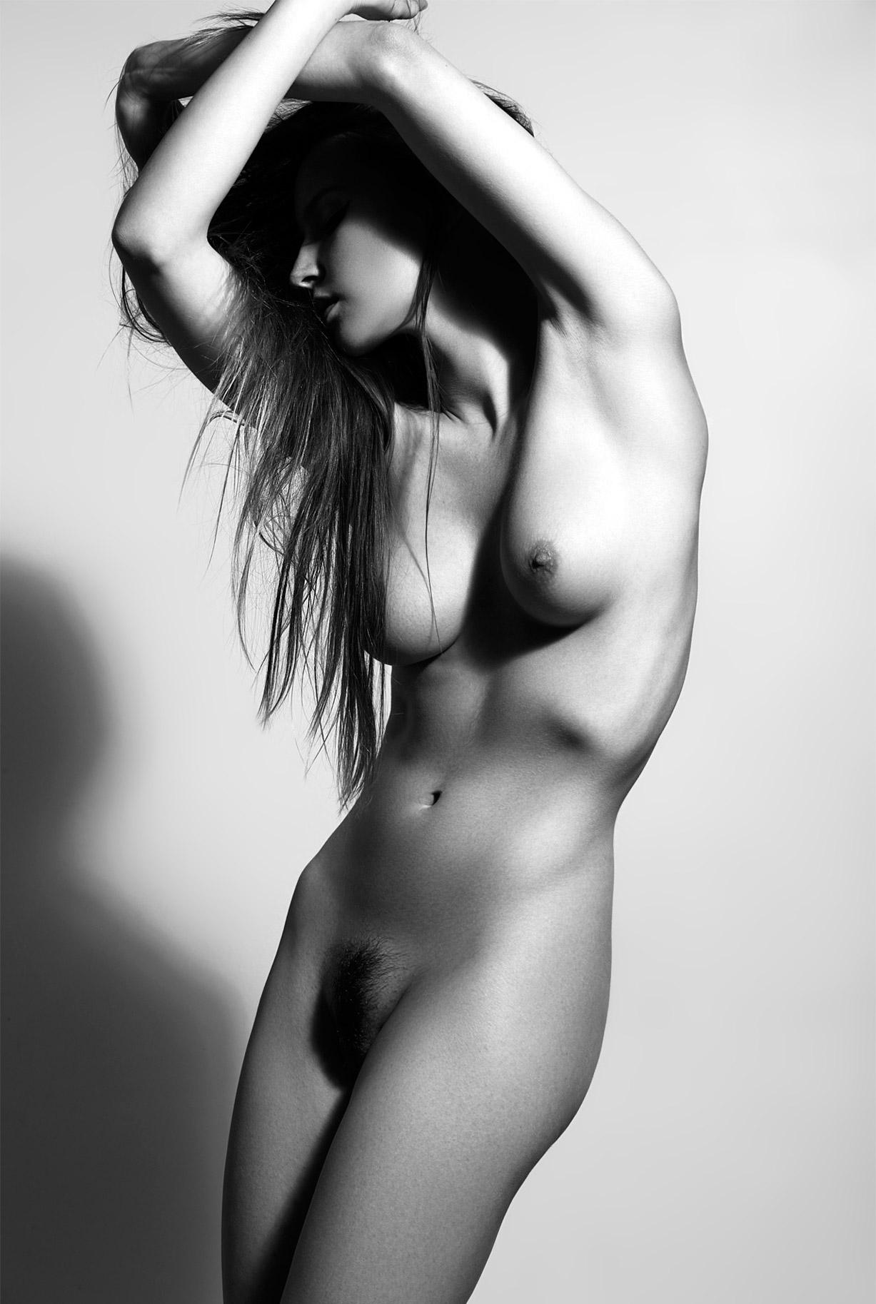 сексуальные голые девушки на снимках фотографа Бенджамина Вингрифа / фото 06