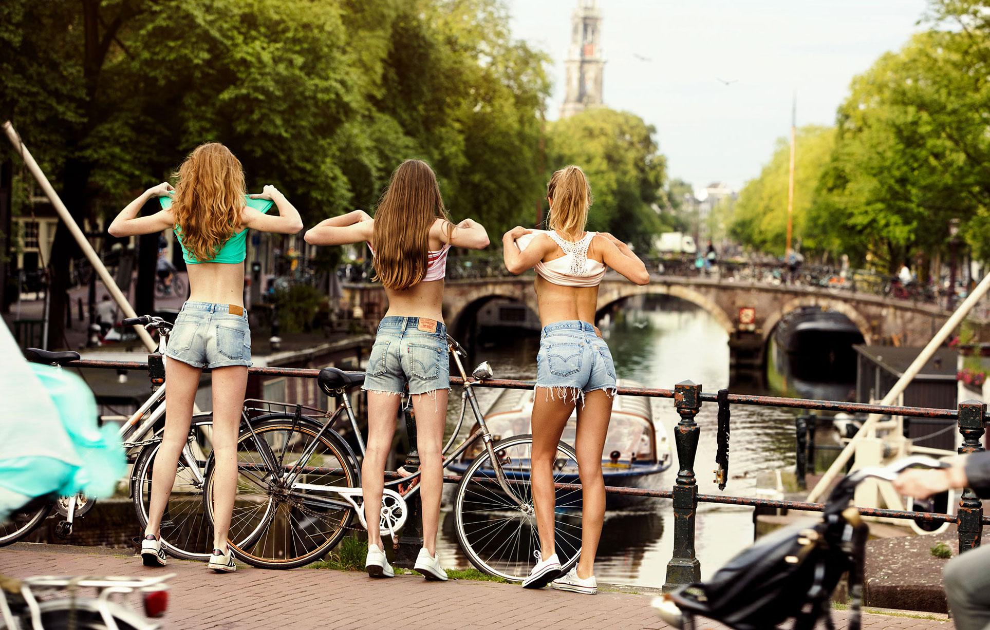 Девушки на улицах и каналах Амстердама / Amsterdam Girls by Jaap Vliegenthart