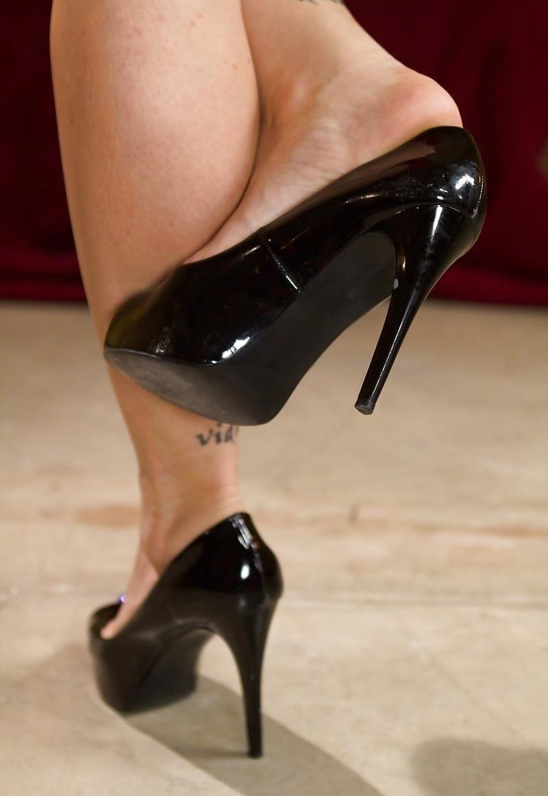 Sweaty lesbian foot worship-6165