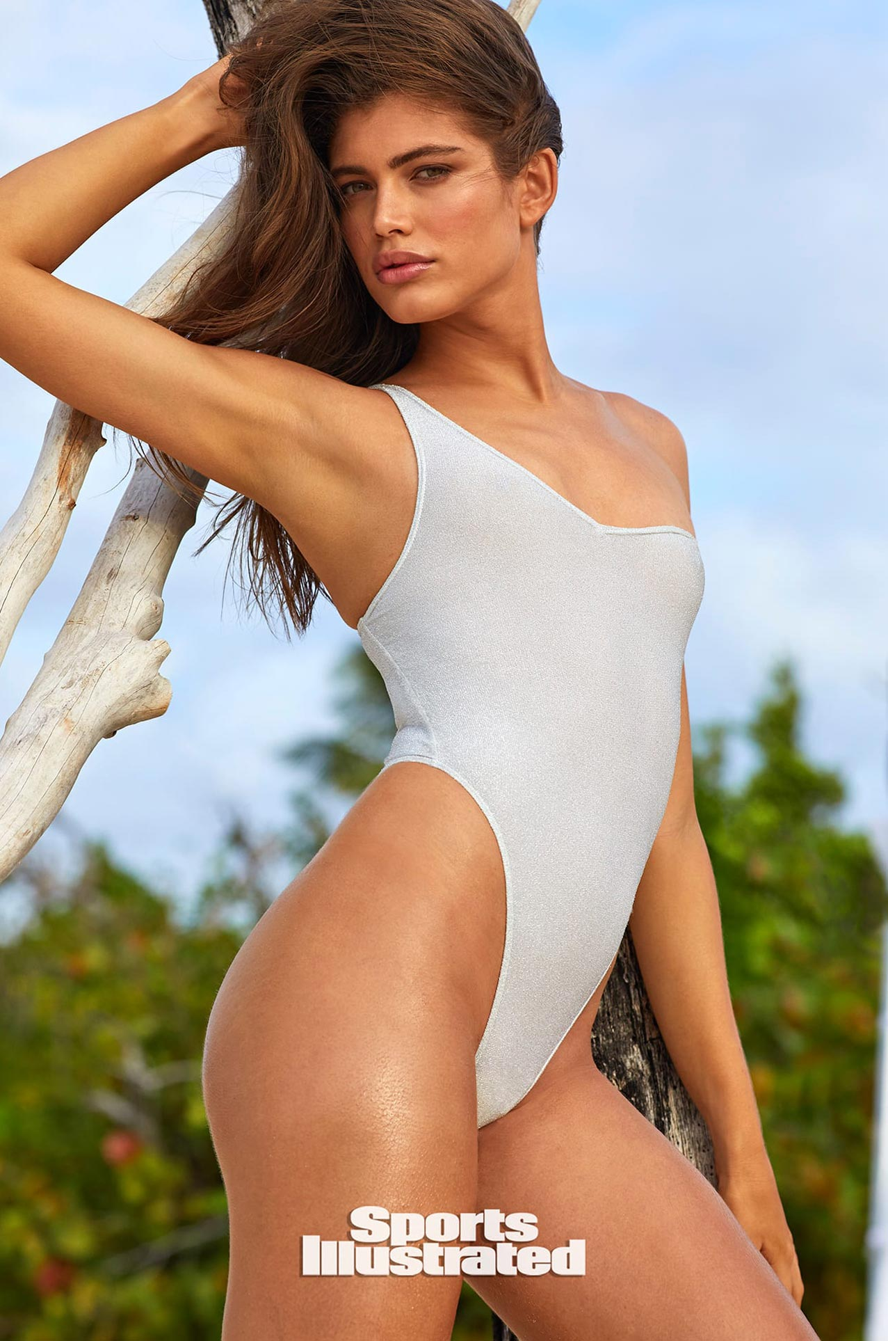 Валентина Сампайо в каталоге купальников Sports Illustrated Swimsuit 2020 / фото 19