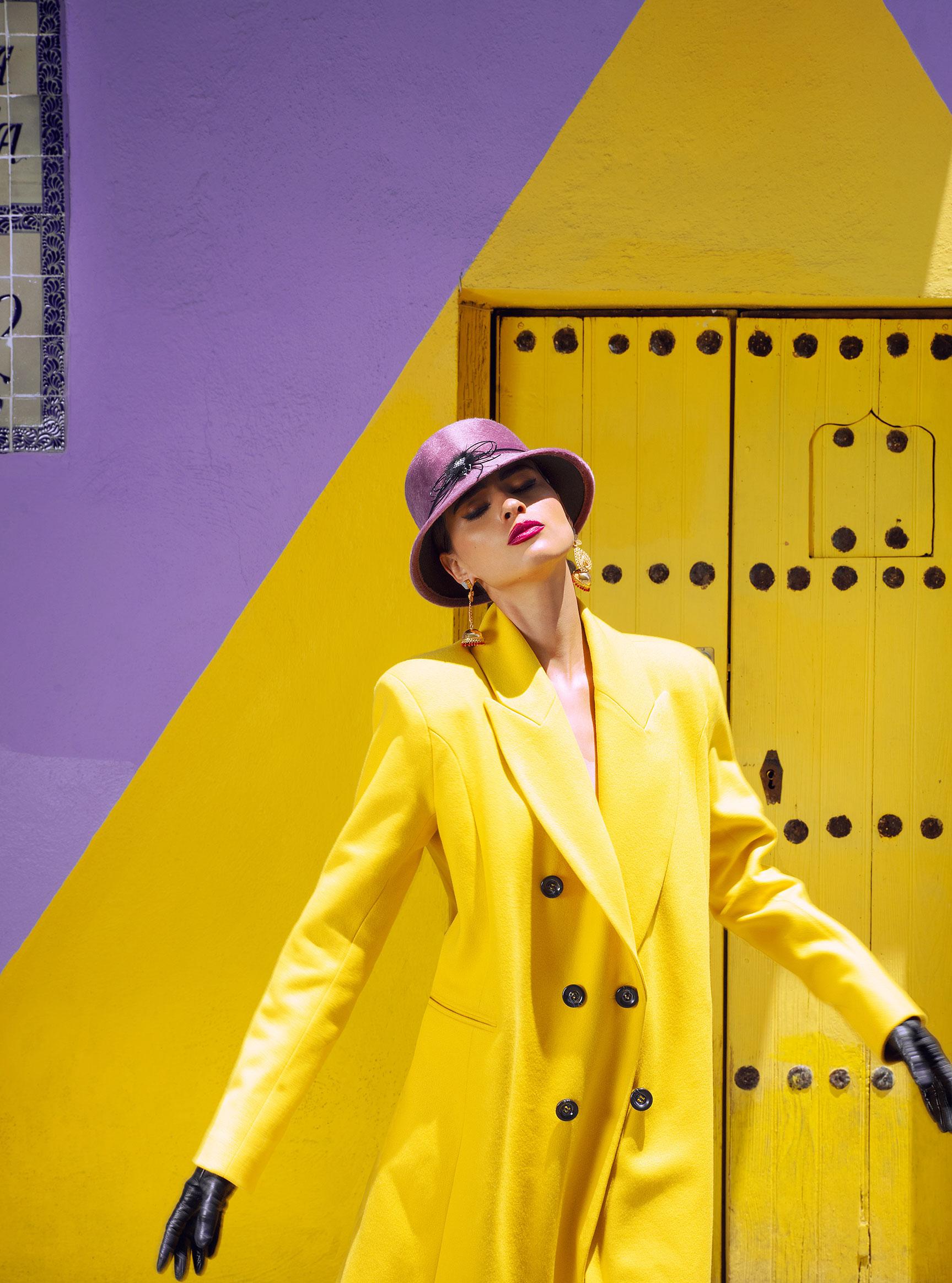 Заира Майари в модном показе на улицах Пуэбла-сити / фото 02