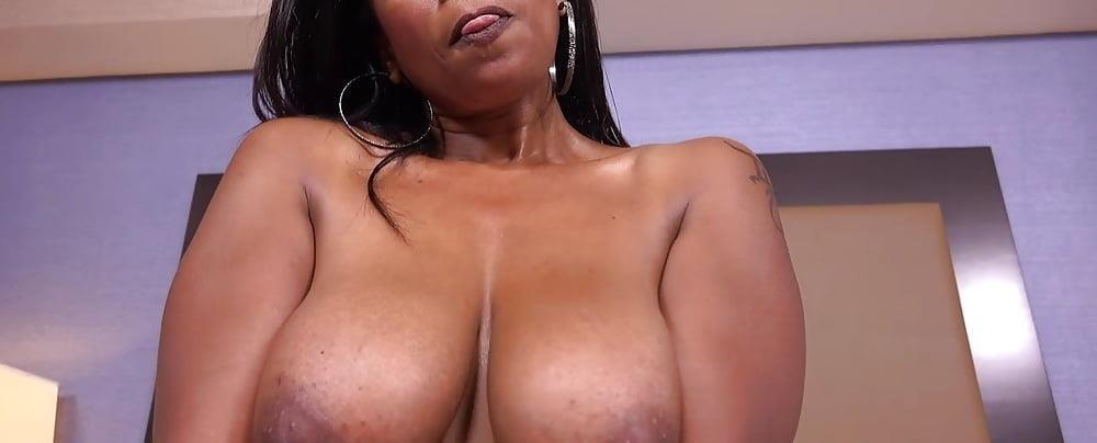 Big black mom booty-4180