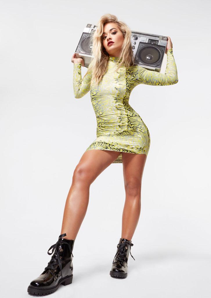 Рита Ора в обуви модного бренда ShoeDazzle, сезон 2020 / фото 12