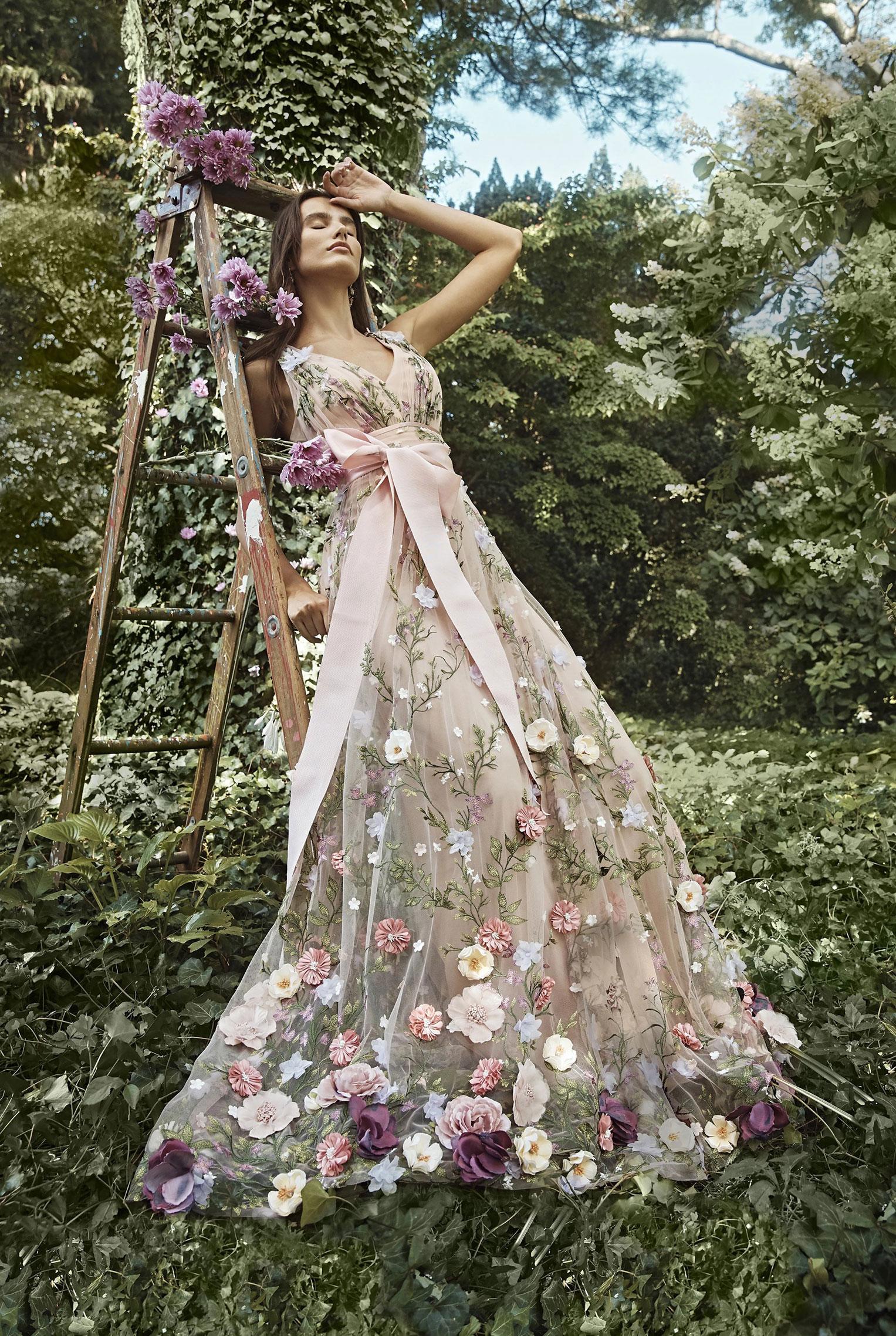 Коллекция модной одежды Marchesa, сезон весна-лето 2020 / фото 23