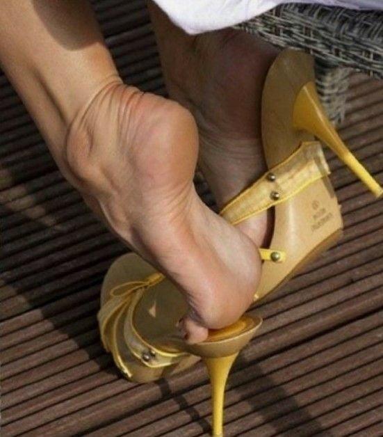 Sexy women feet porn-5164