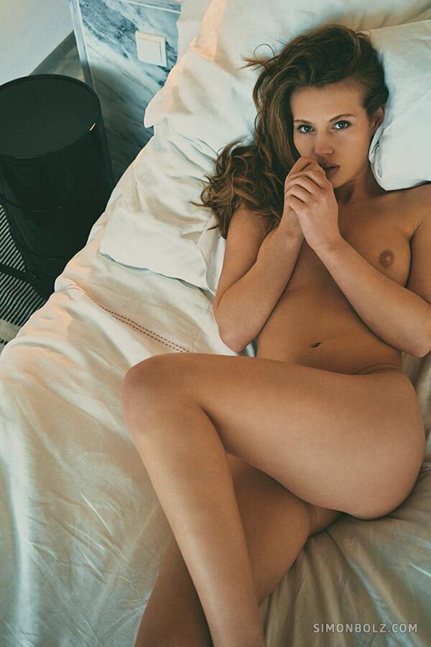 Сексуальная Катя позирует для эротической фотокниги / фото 14