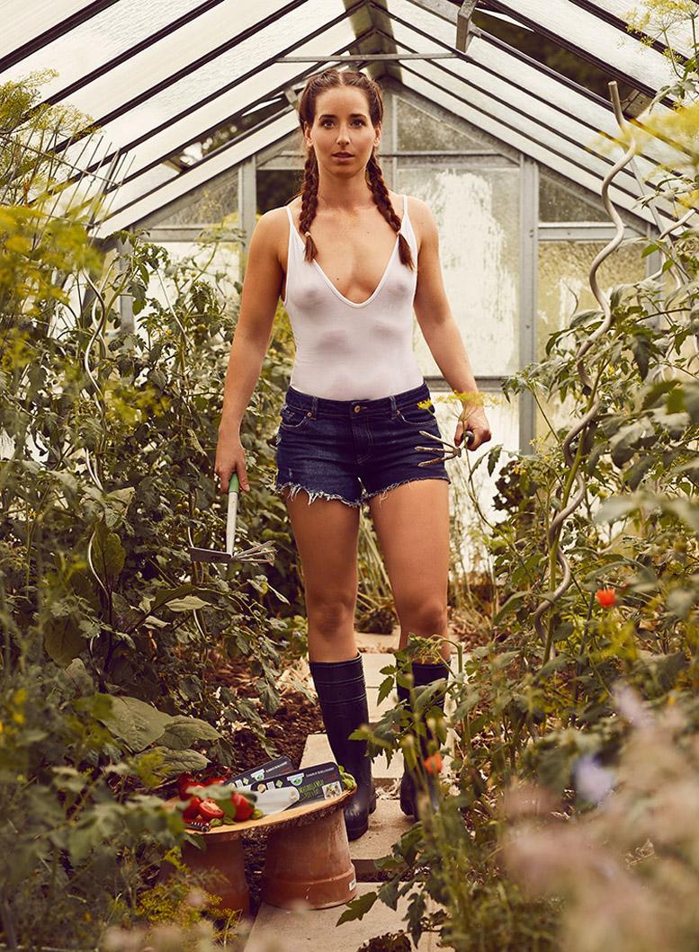 Баварские девушки в календаре юного фермера на 2019 год / Jungbauernkalender Girls 2019