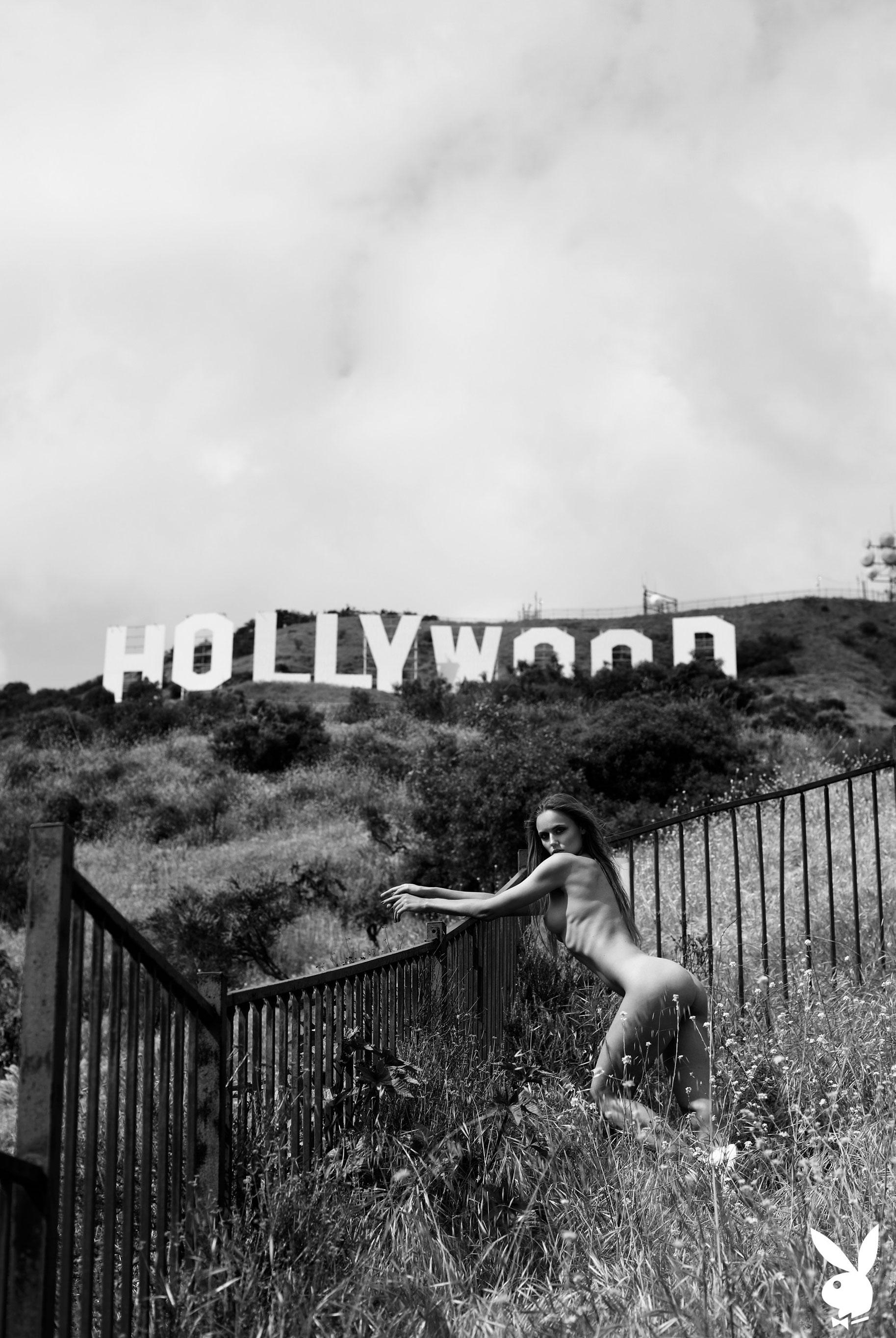 голая Адель Вакула в Голливуде и на страницах журнала Playboy / фото 17