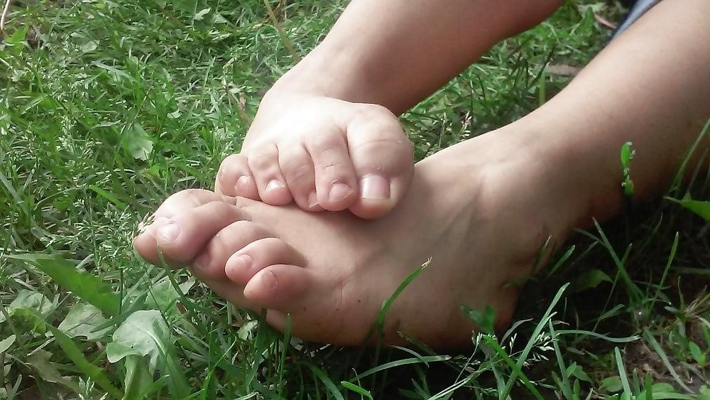 Petite latina feet-7792