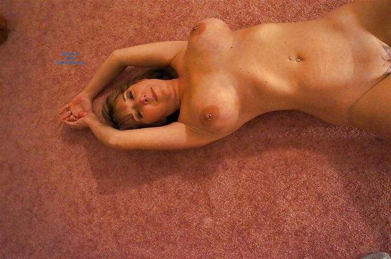 Gorgeous milf with big tits-2394