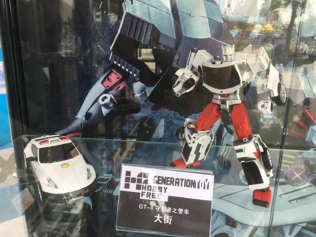 [Generation Toy] Produit Tiers - Jouet GT-08 Guardian - aka Defensor/Defenso - Page 2 5kn72o5c_o