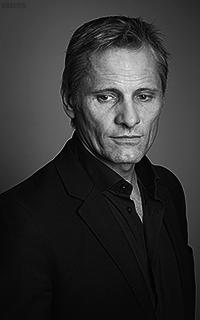Viggo Mortensen X45I3QWV_o
