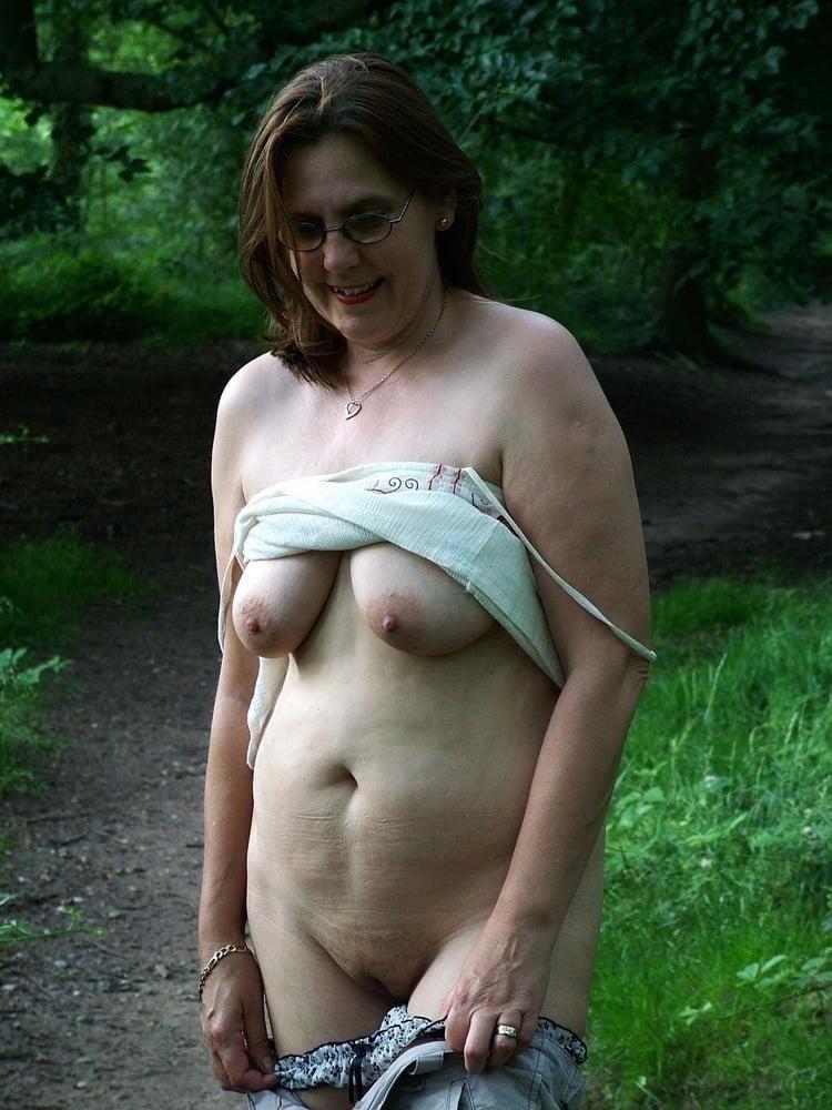 Porn pics mature amateur-9223
