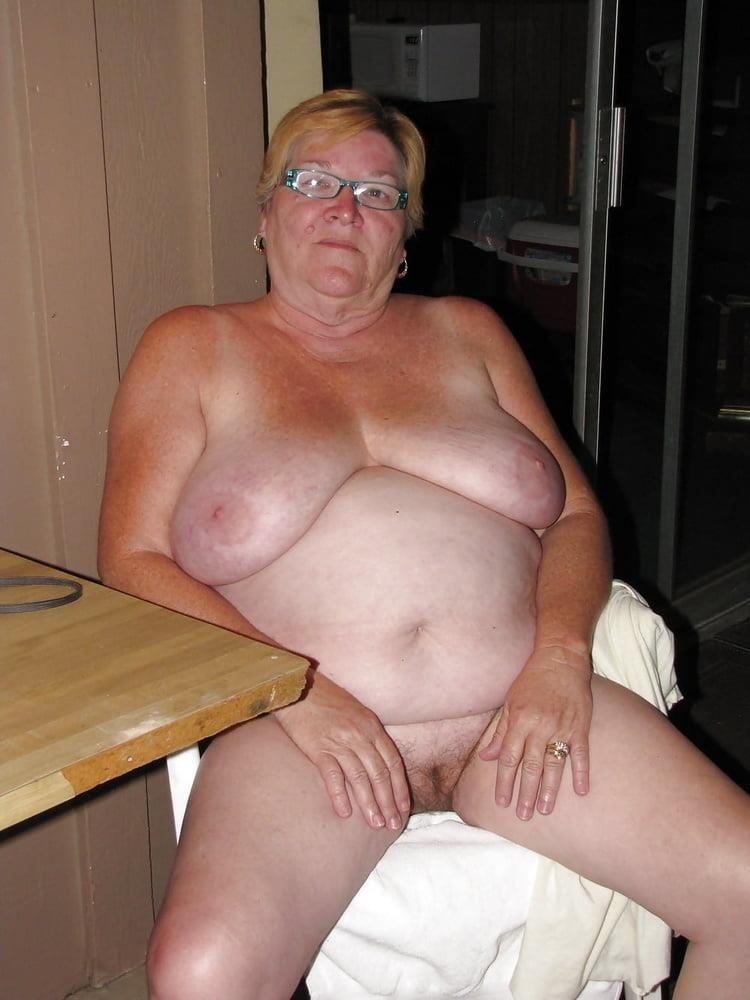 Older women cunnilingus-8036