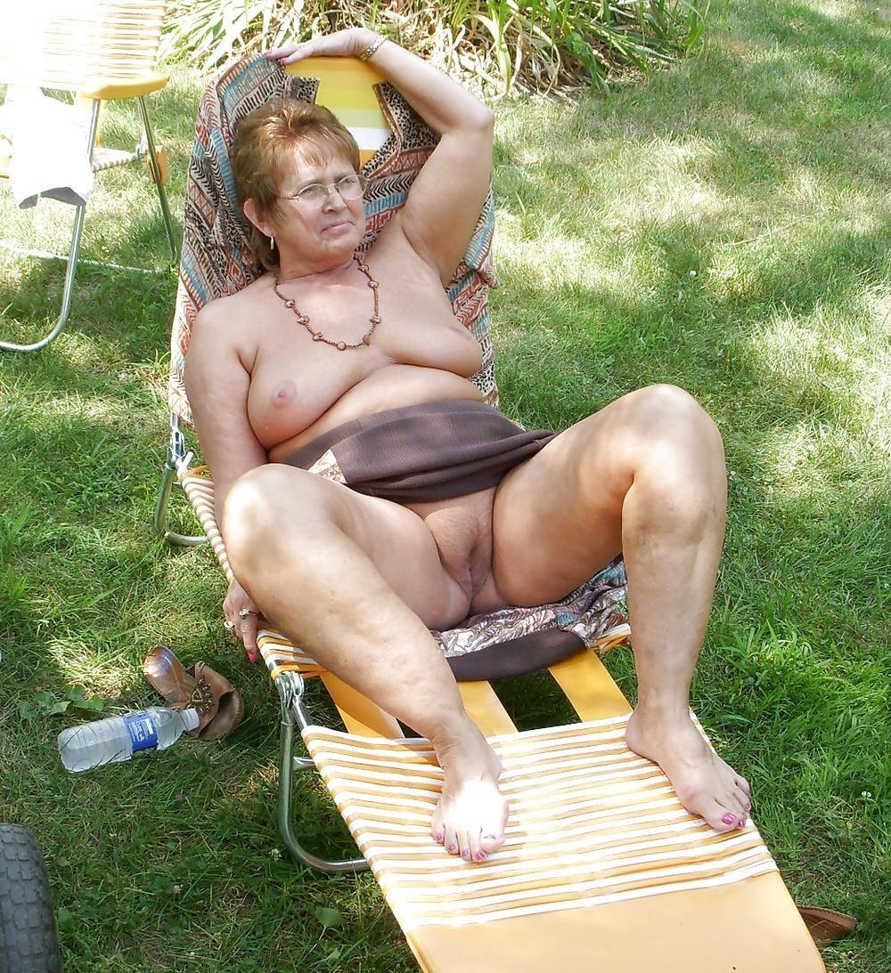 Chubby mature granny-9669