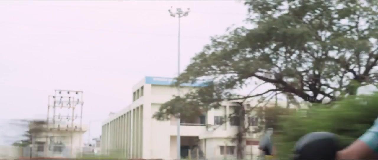 Vasuvum Saravananum Onna Padichavanga (2015) 720p UNCUT HDRip x264 ESubs [Dual Audio] [Hindi+Tamil]