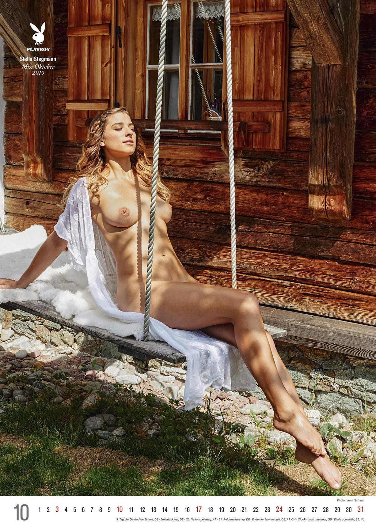 Эротический календарь журнала Playboy Германия на 2021 год / октябрь
