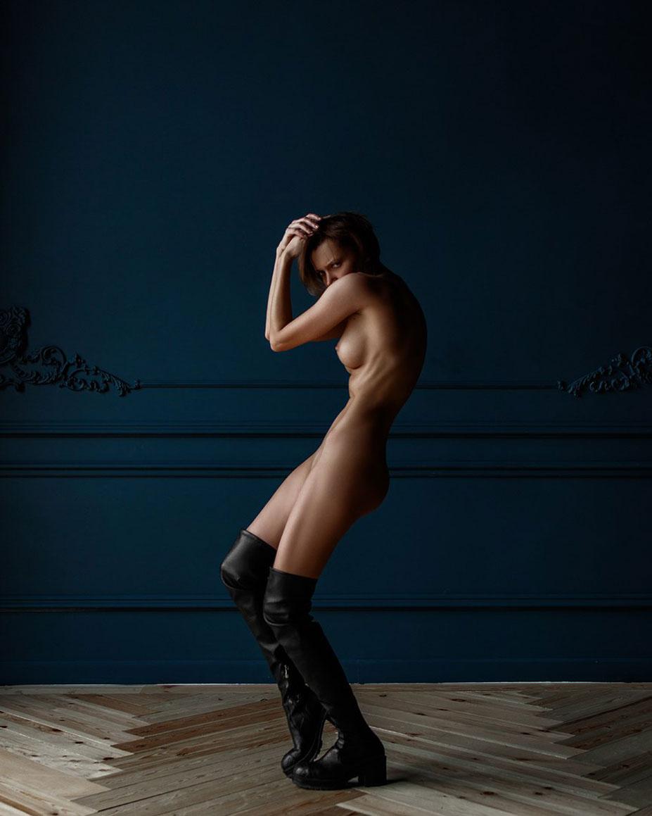 Oksana Chucha nude by Alexey Trifonov