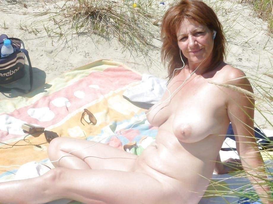 Natural tits on the beach-5821