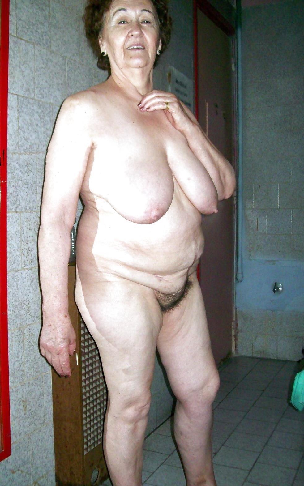 Older women nude beach-8781