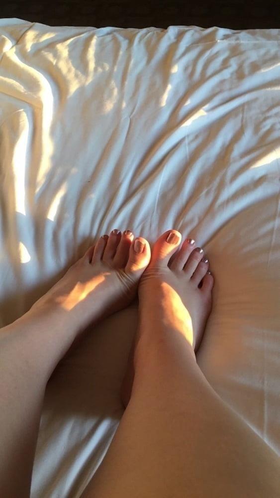 Lesbian long toes-1473