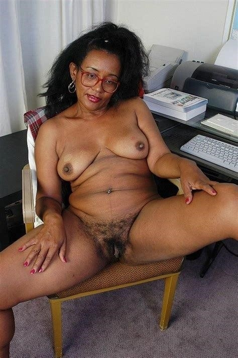 Ebony mature gallery-6554