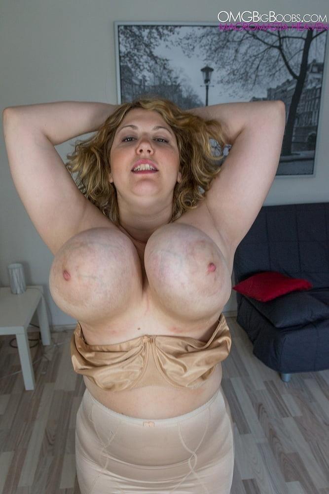 Jiggling boobs in public-5129