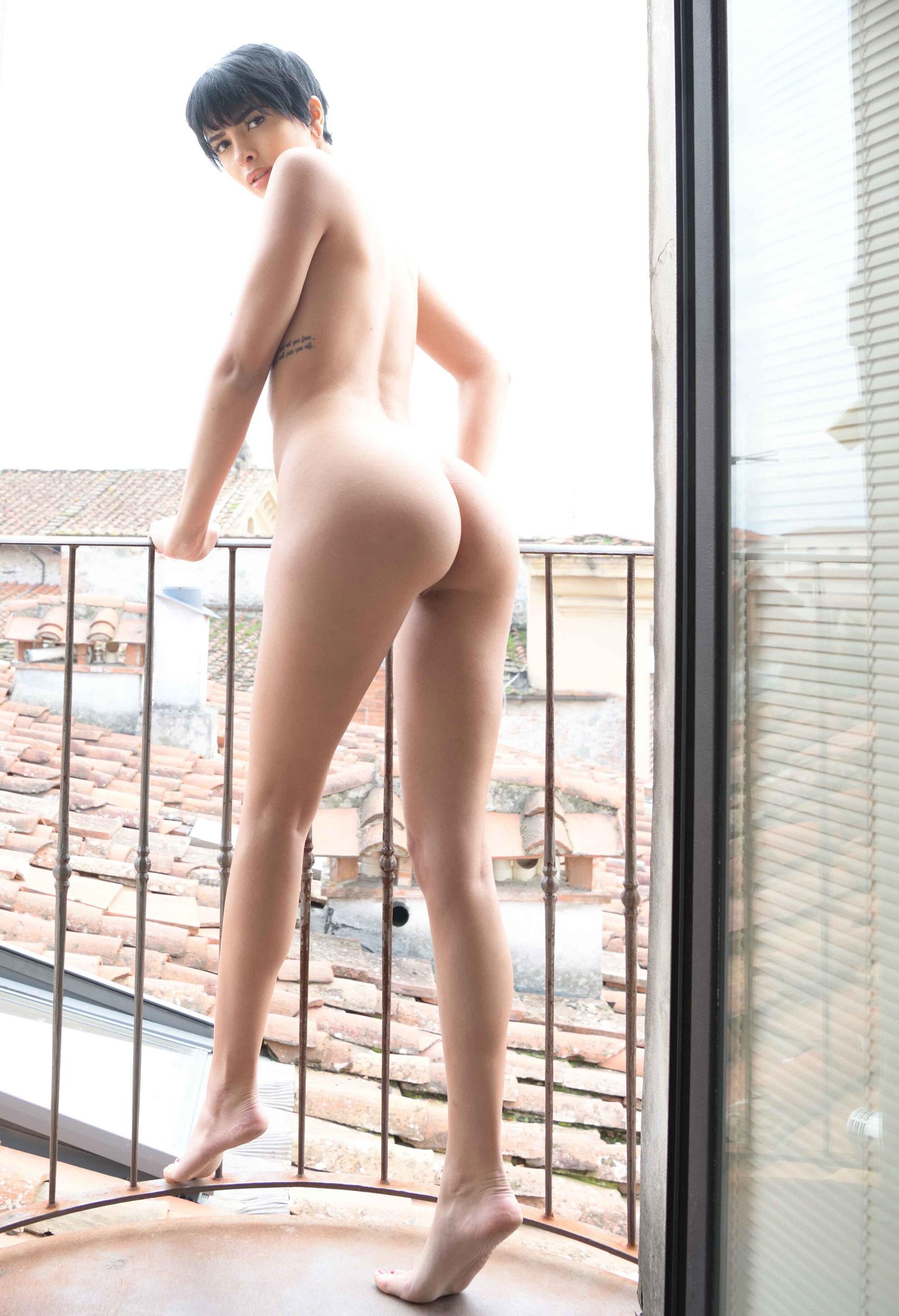 голая Таня у окна / фото 09