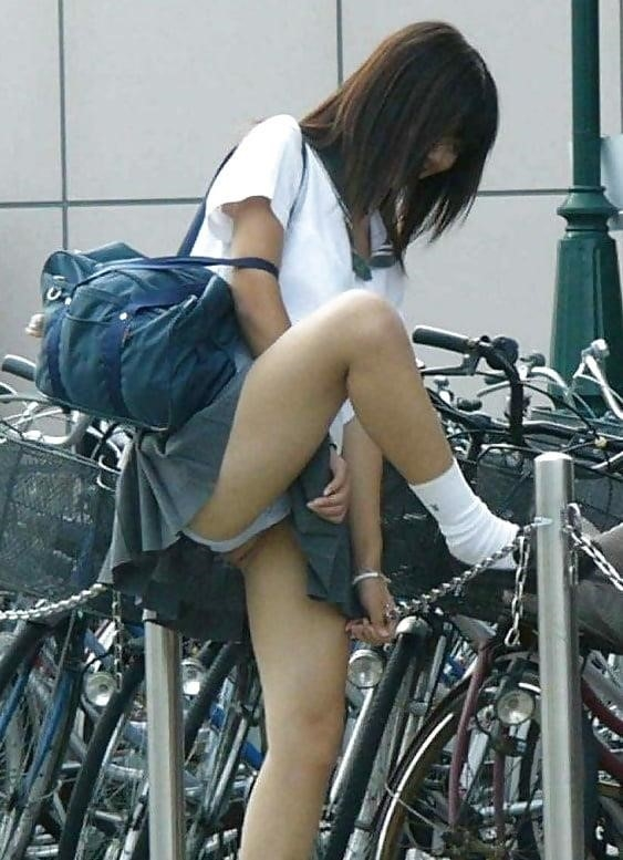 Cute asian schoolgirl-7327
