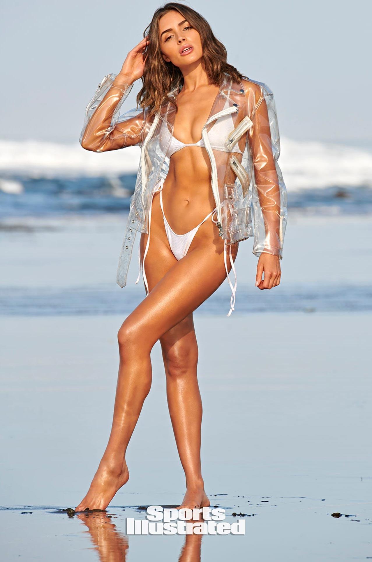 Оливия Калпо в каталоге купальников Sports Illustrated Swimsuit 2020 / фото 08