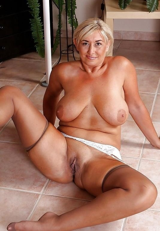 Girls showing their clits-2337