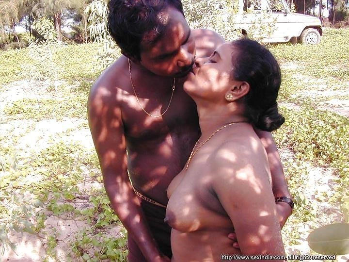 Hot tamil aunty in bed-2065