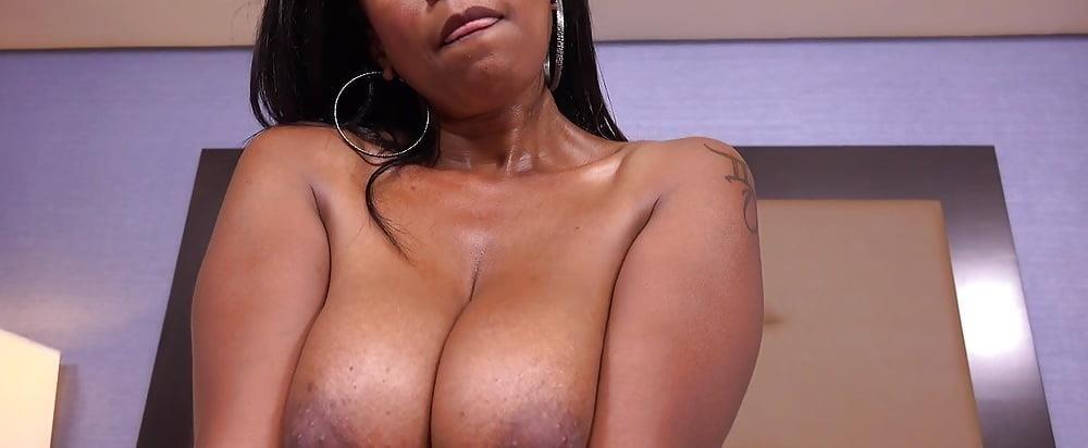 Big black mom booty-7213