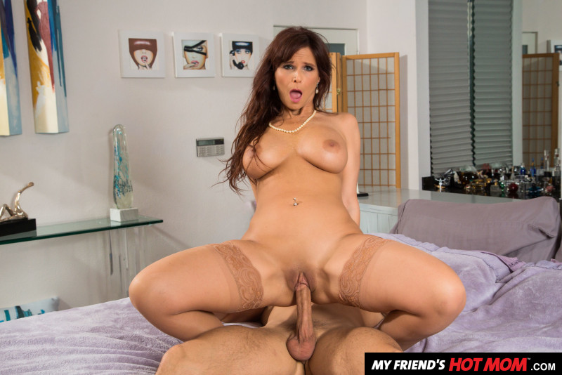 Syren De Mer, Codey Steele – My Friend's Hot Mom – Naughty America [HD]