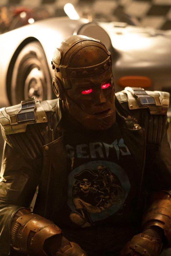 Doom Patrol Meet Dorothy Spinner In New Photos From The Season 2